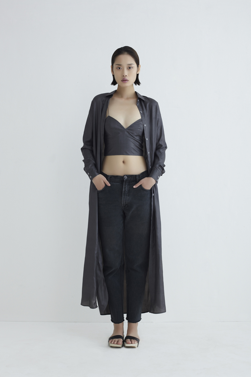 aethic_neemic-cocoon_annie-organic-silk-top-anthracite_1049
